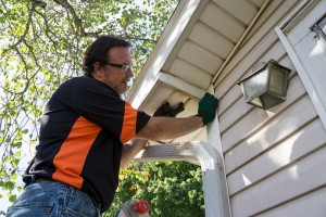 3 Signs Your Home Has Sustained Siding Damage