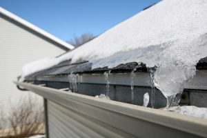 How to Make Sure Your Flat Roof Drains Properly